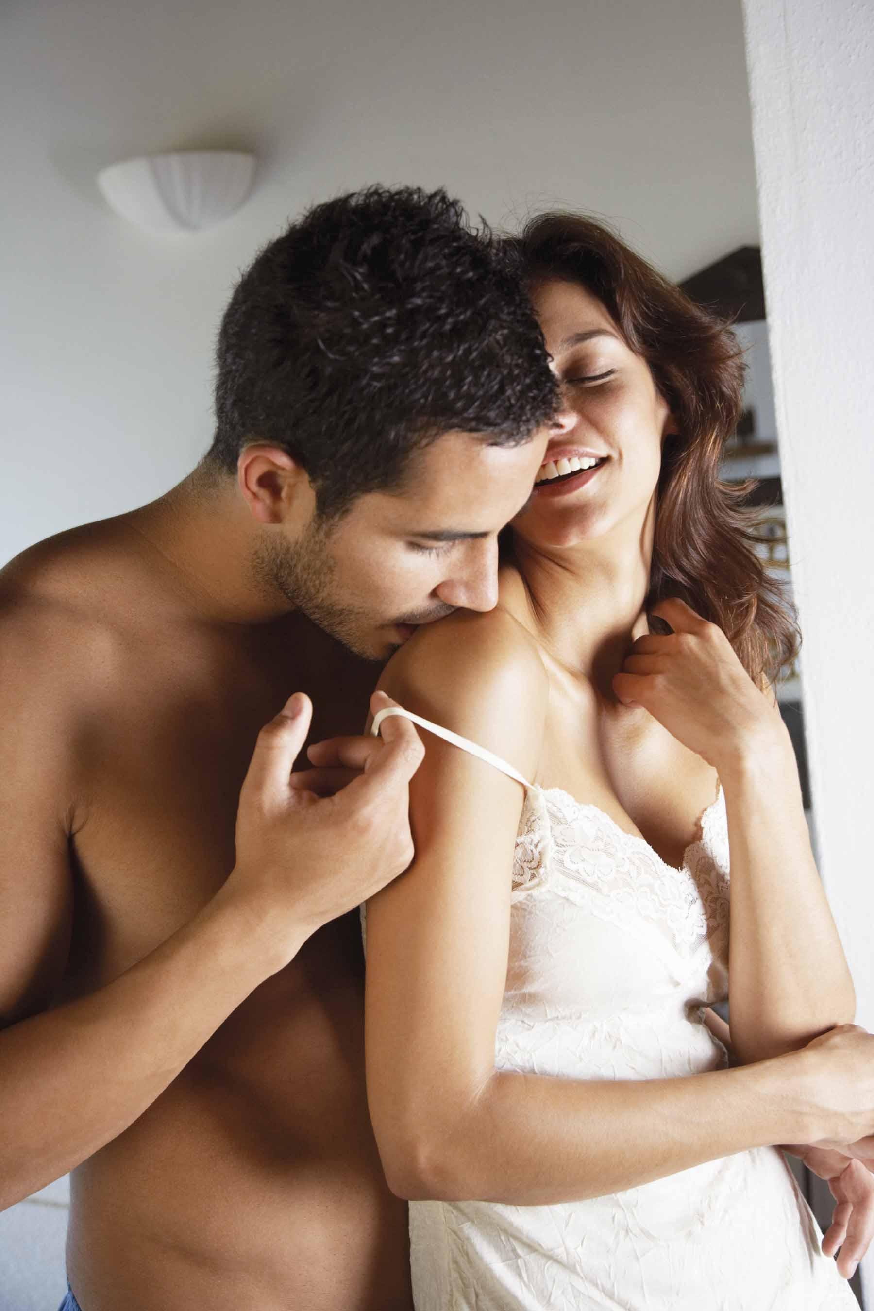 porno-roliki-s-sekretarshami-s-analom