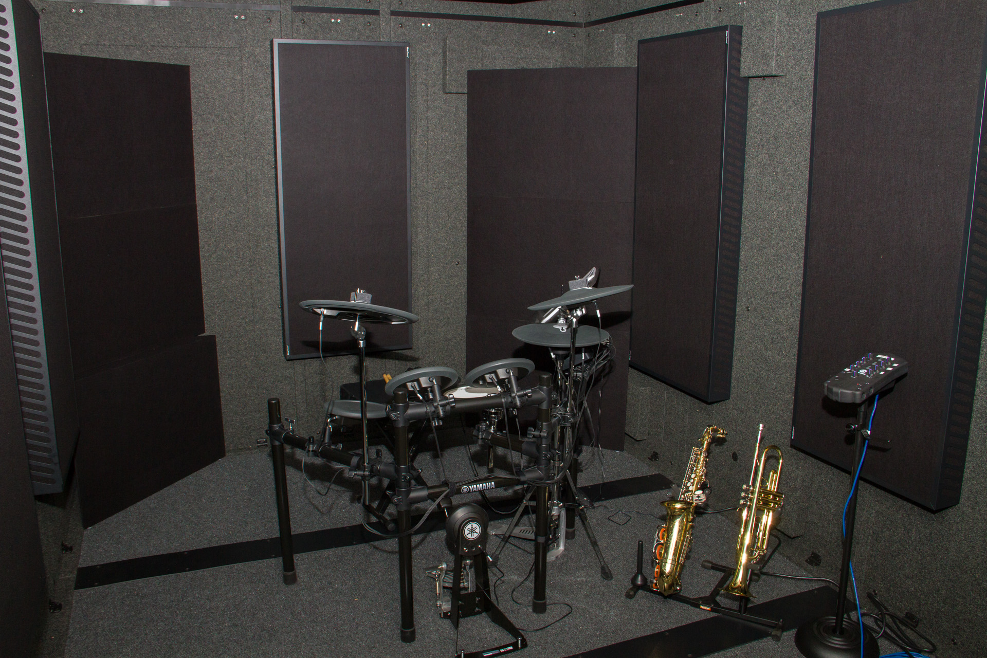 Drum Set Isolation Booth_musical instruments