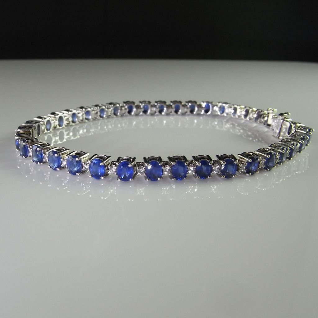 14k-white-gold-natural-sapphire-and-diamond-bracelet_expensive-gifts