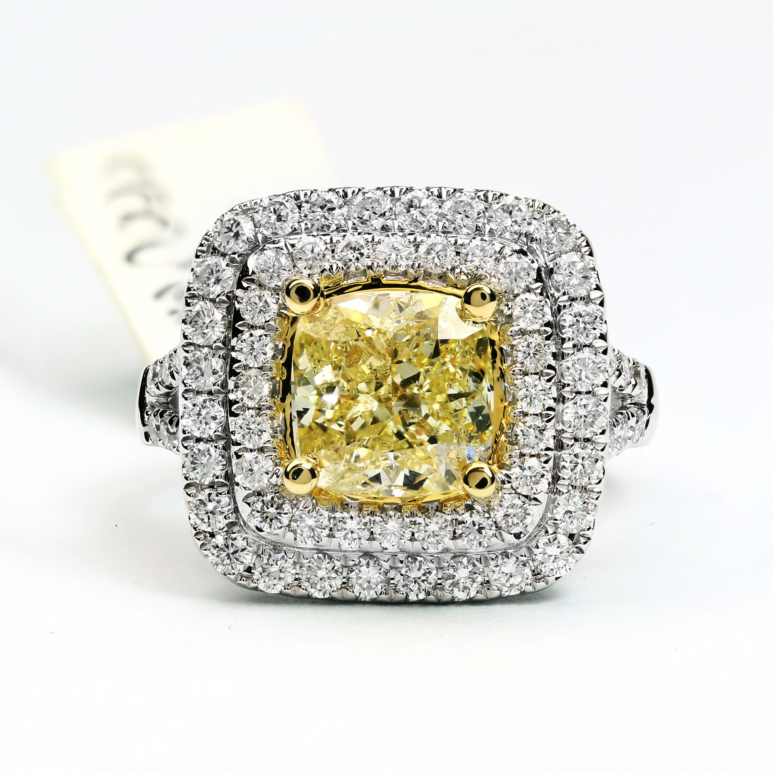 18k-white-gold-gia-yellow_expensive-gifts