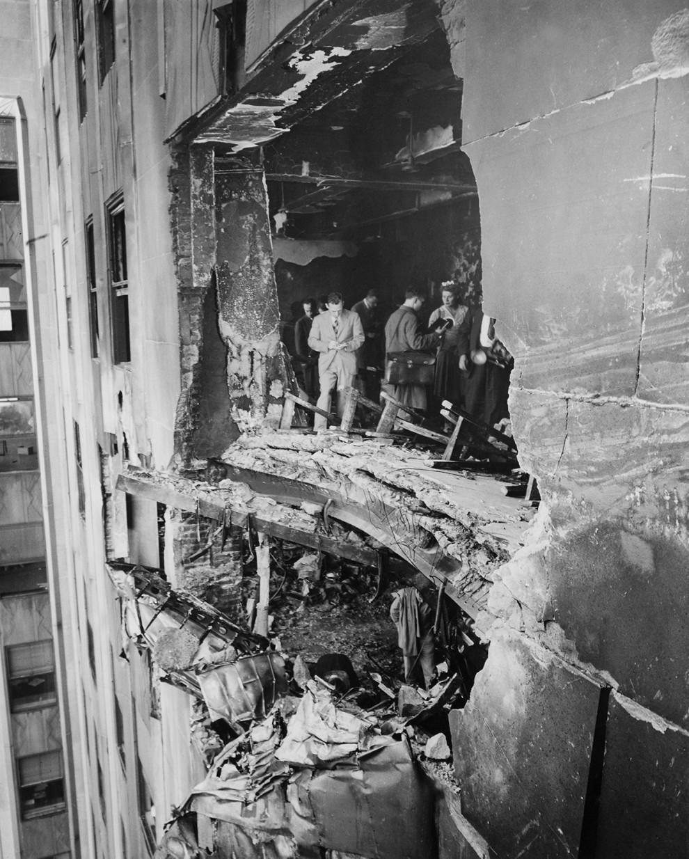 b-25-bomber-crash-vintage-pictures