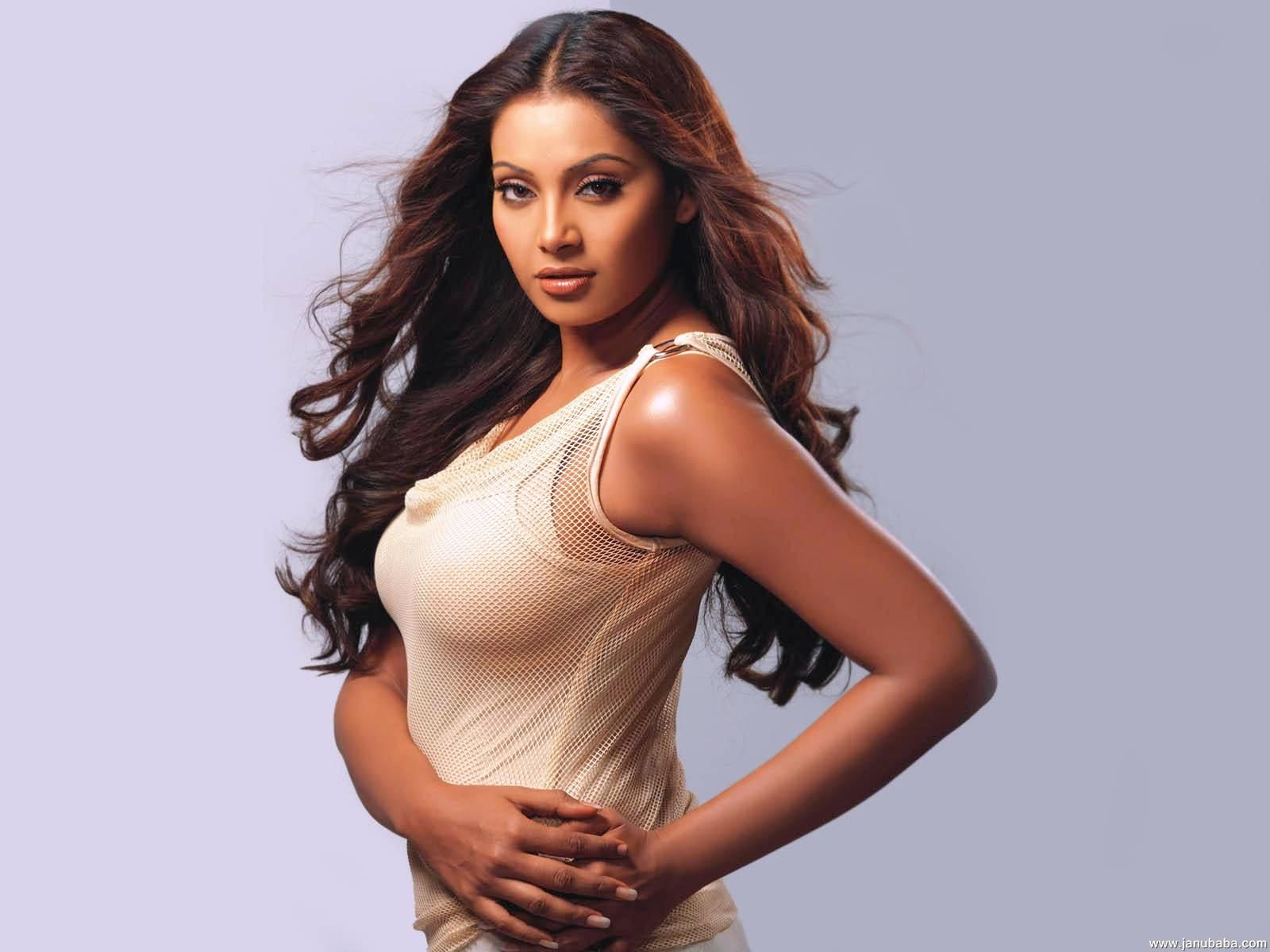 bipasha-basu_bollywood-actresses