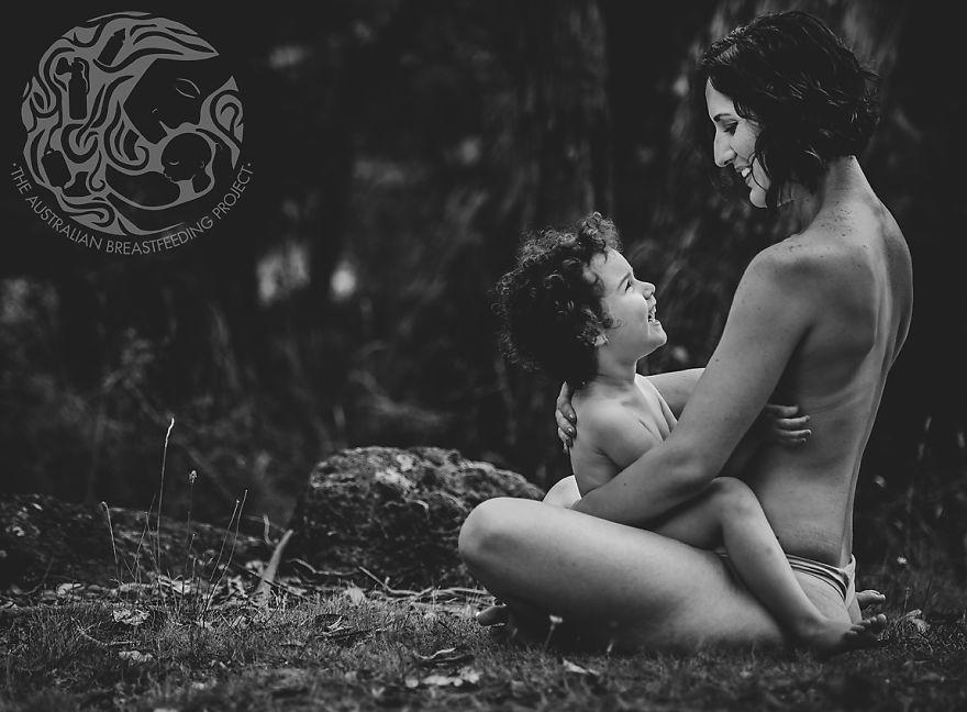 breastfeeding-with-nothing-to-hide_breastfeeding