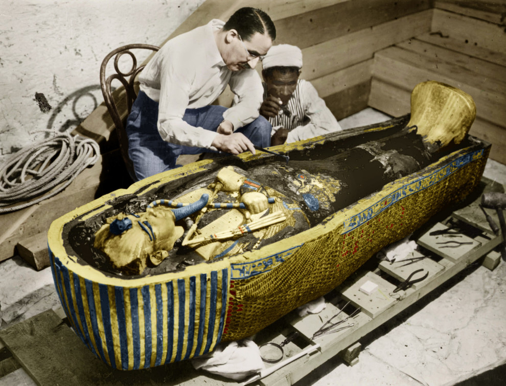 king-tuts-golden-vintage-pictures