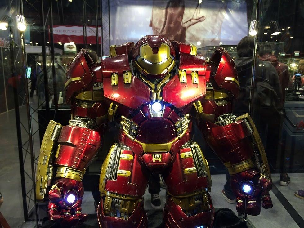 life-size-hulkbuster-statue_geek-gadgets