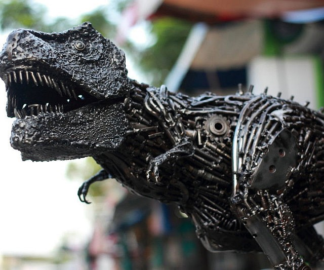 metal-t-rex-sculpture_sculpture