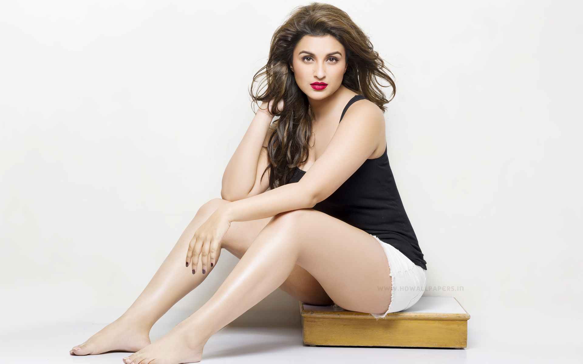 parineeti-chopra_bollywood-actresses