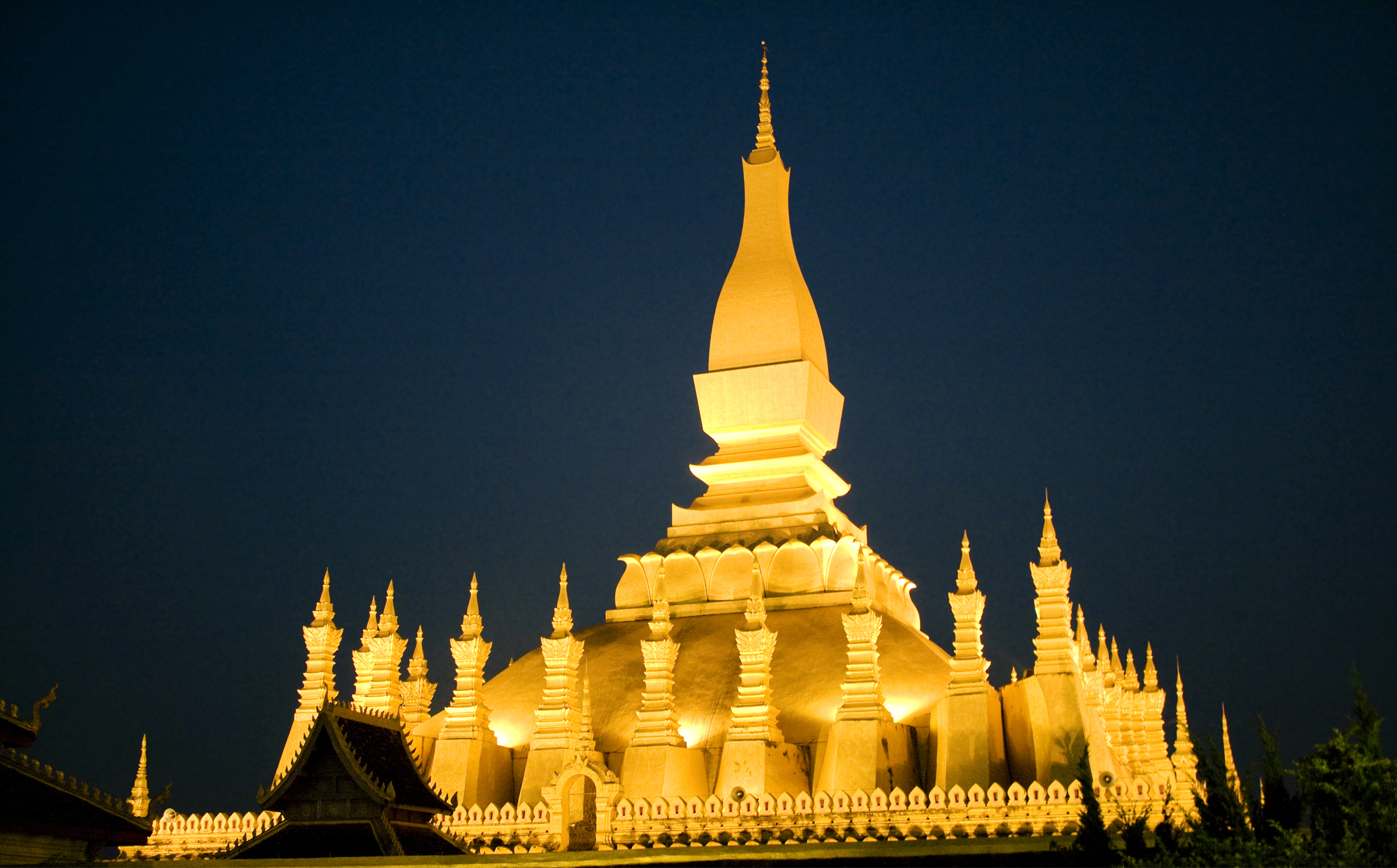 pha-that-luang_asia-top-temples