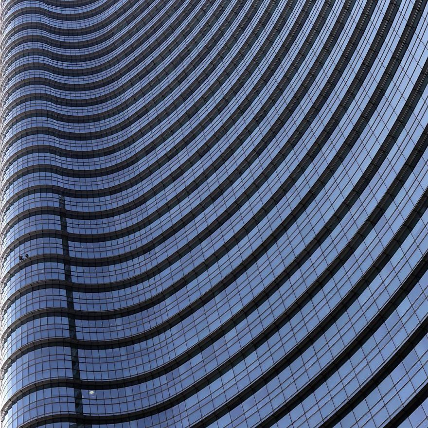 riding-the-wave-architectural-images