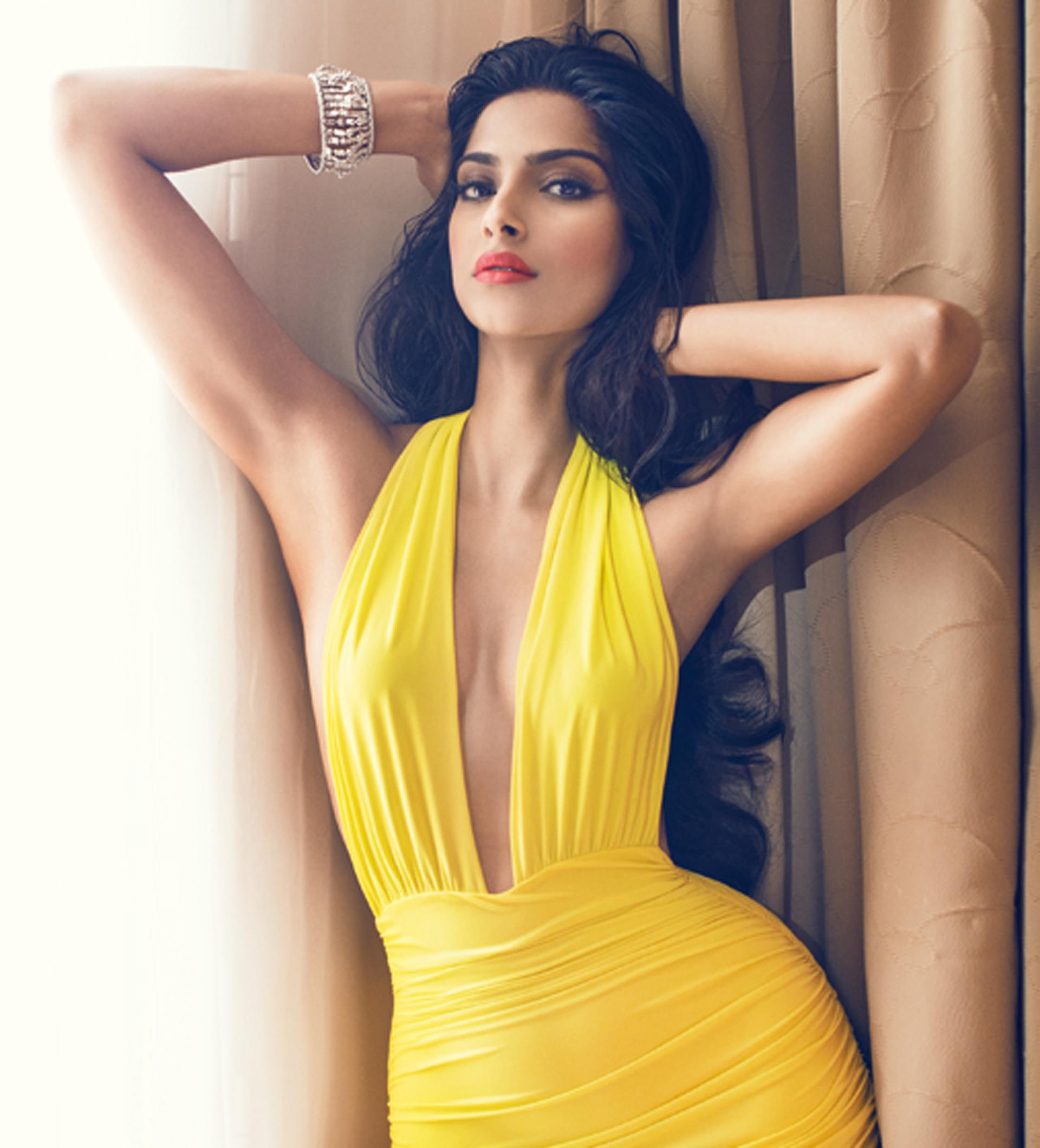 sonam-kapoor_bollywood-actresses