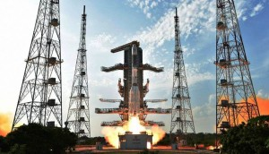 Sriharikota: ISRO's  GSLV-F05 carrying INSAT-3DR takes off from Satish Dhawan Space Centre in  Sriharikota on Thursday. PTI Photo / ISRO(PTI9_8_2016_000363A)