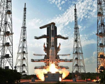 Sriharikota: ISRO's  GSLV-F05 carrying INSAT-3DR takes off from Satish Dhawan Space Centre in  Sriharikota on Thursday. PTI Photo / ISRO(PTI9_8_2016_000363A)