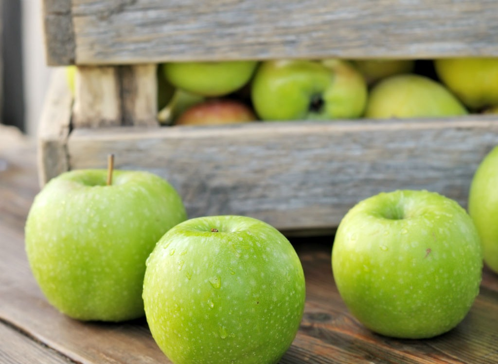 Superfoods-apples_fatty-foods