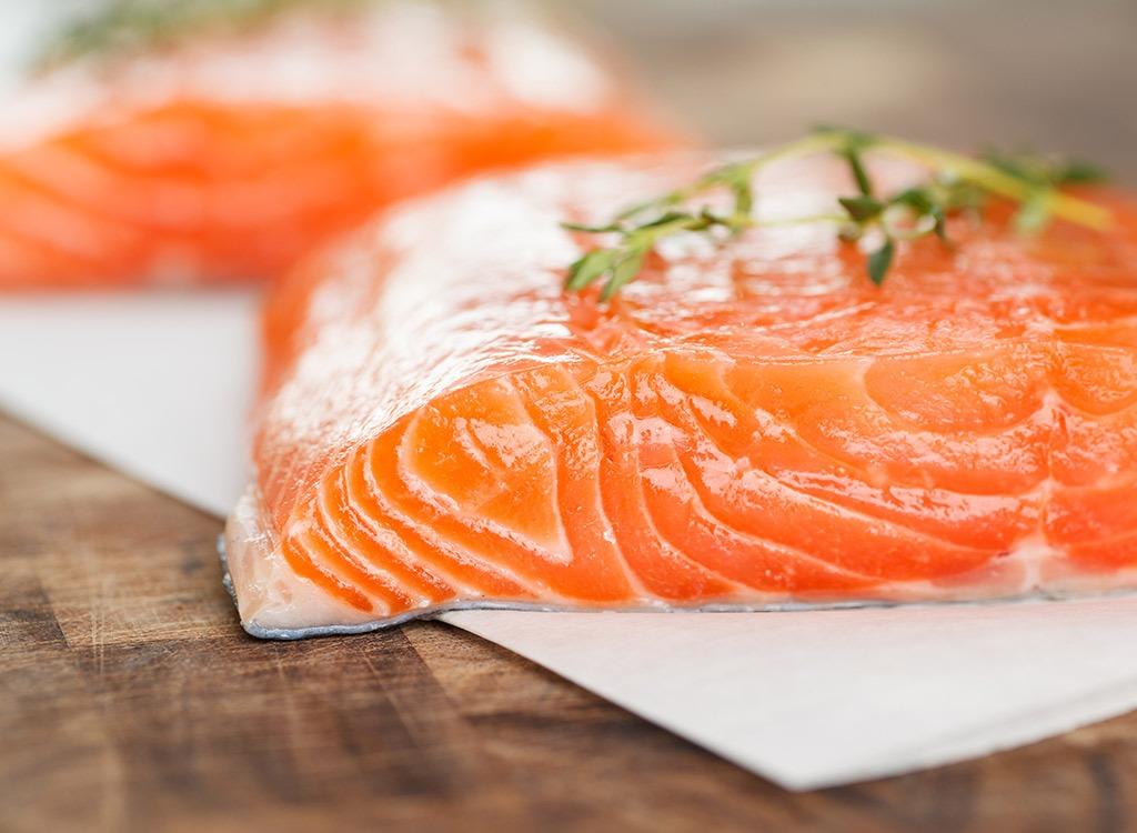 Superfoods-atlantic-farm-raised-salmon_fatty-foods
