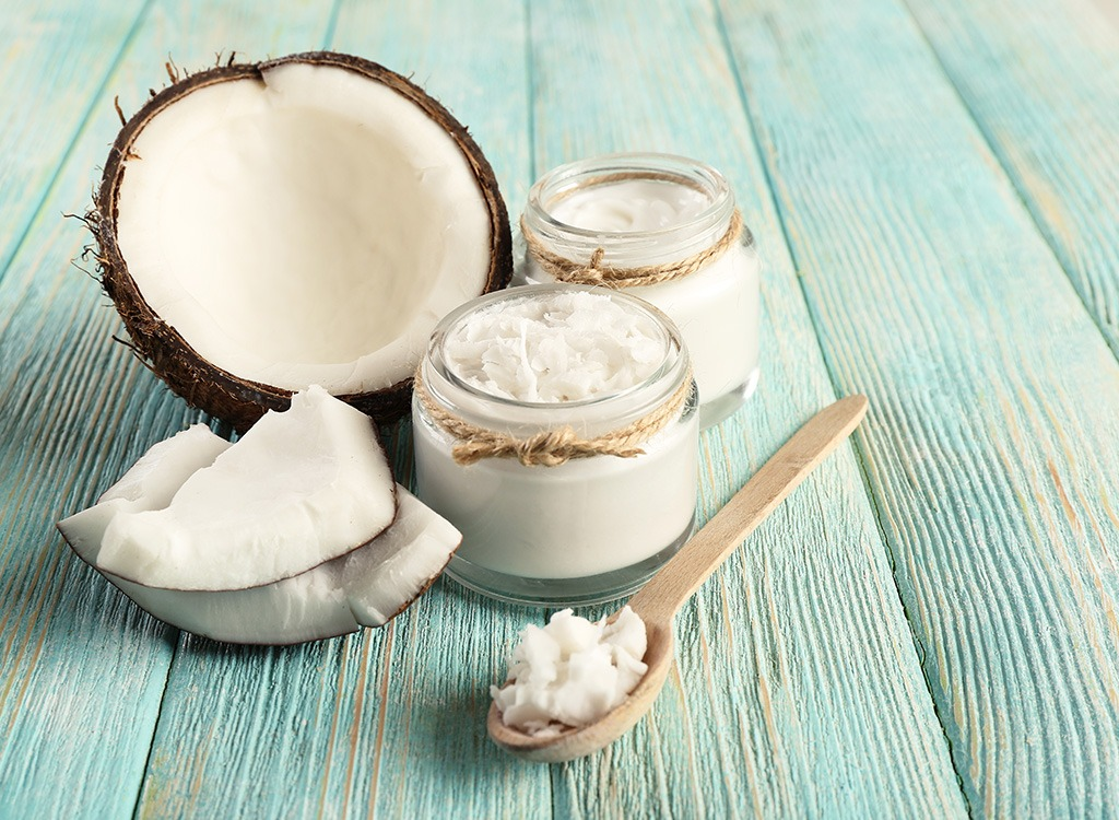 Superfoods-coconut-oil_fatty-foods