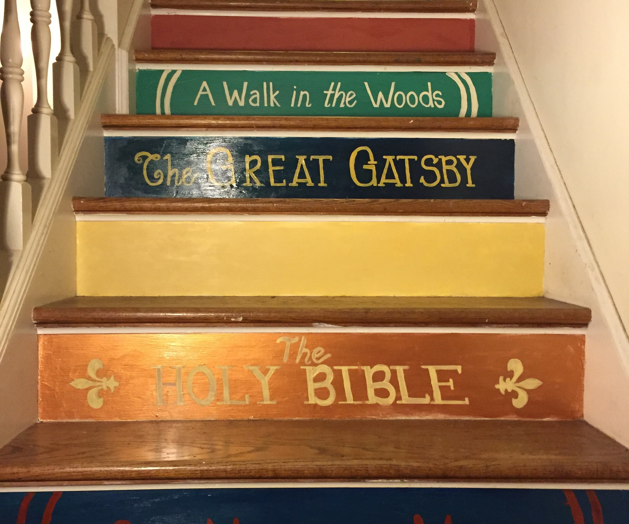 diy-book-stairs-lettering_home-decor-gifts