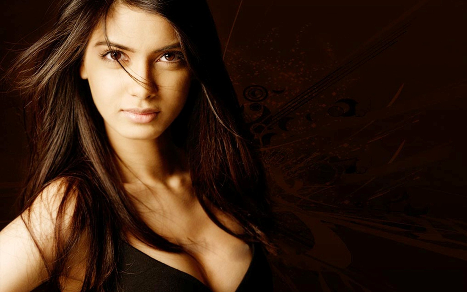 Diana-Penty_Bollywood-Actresses