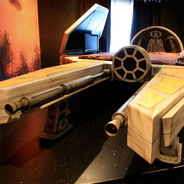fighter-spaceship-bed_gifts-for-kids