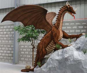 giant-dragon-statue_gifts-for-kids