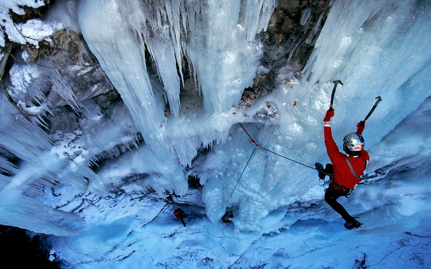 glacier-climbing_adventure-sports-extreme activities