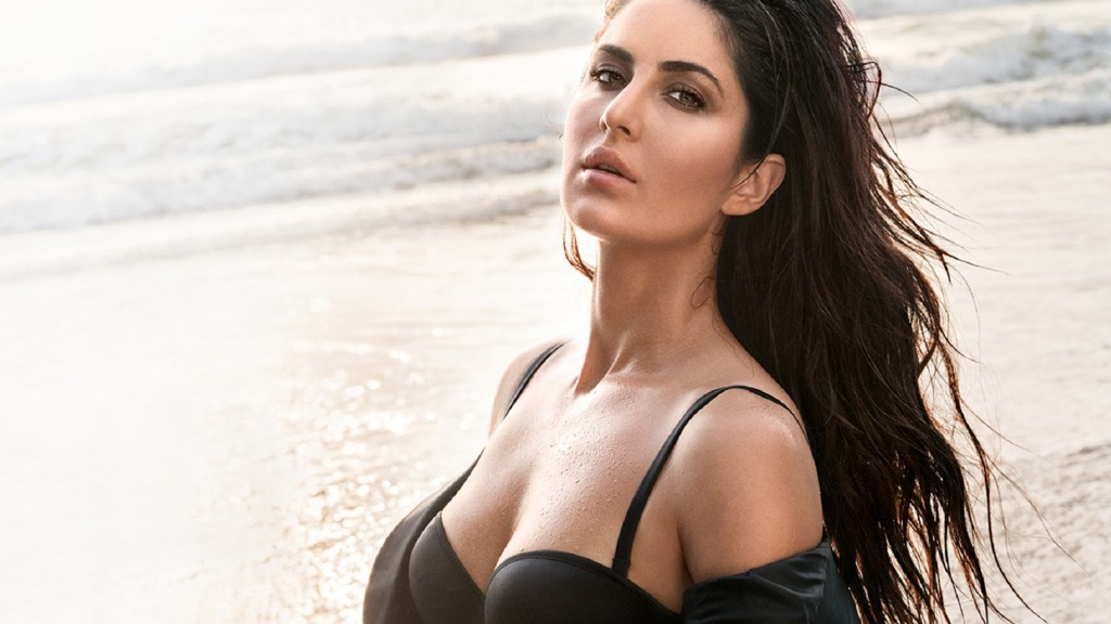 TOP 20 Most Tempting Actresses Of Bollywood
