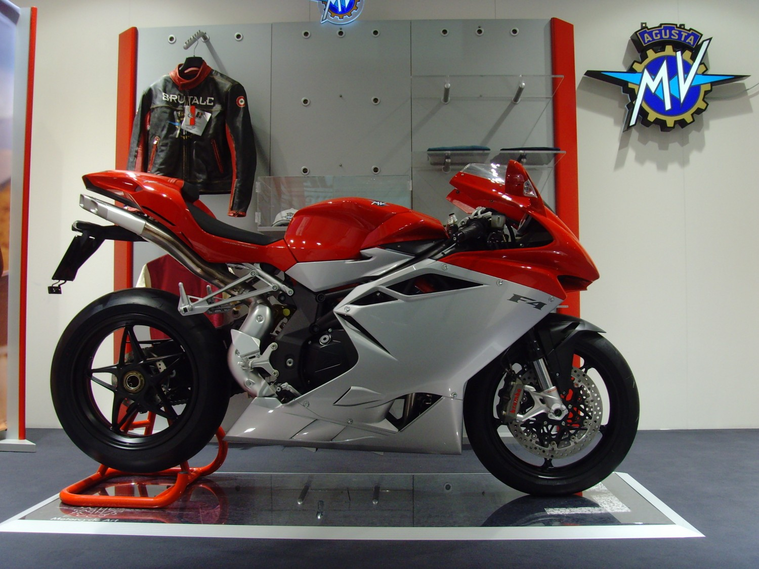 mv-agusta-f4cc-120000_expensive-motorcycles