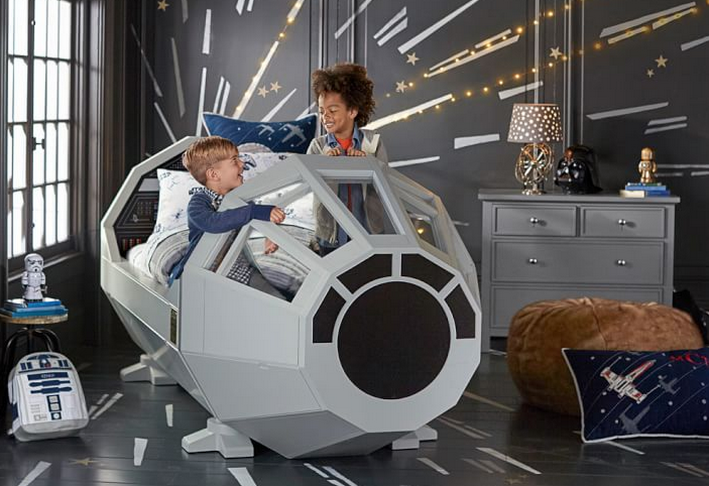 millennium-falcon-bed_gifts-for-kids