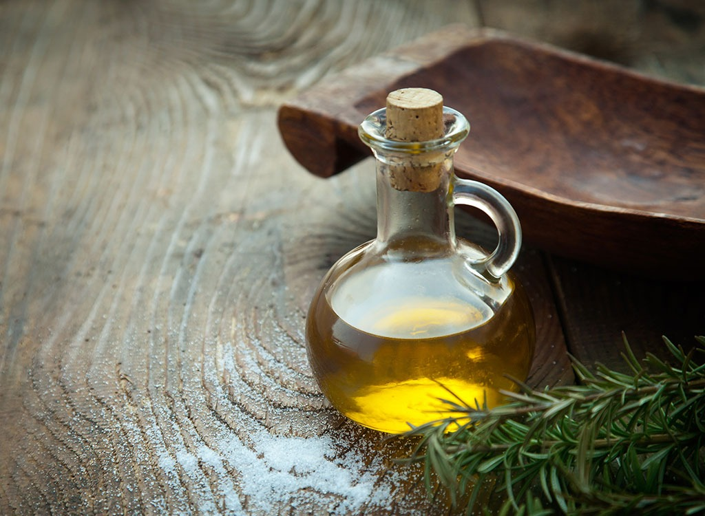 Superfoods-olive-oil_fatty-foods