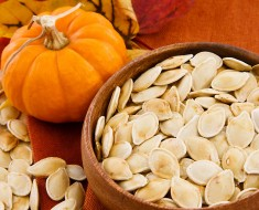 pumpkin-seeds_healthy-foods