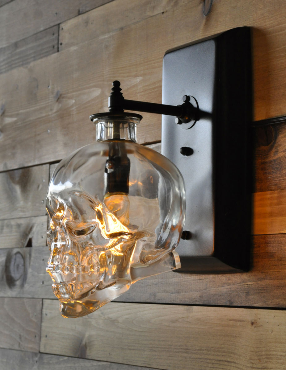 skull-wall-sconce_halloween-gifts