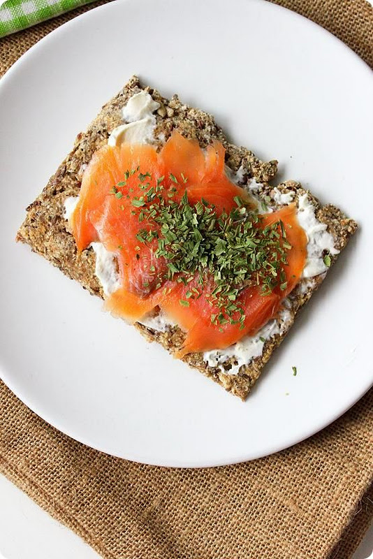 breakfast- recipe-smoked-salmon-crispbread