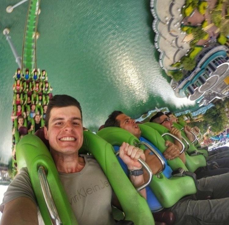 vacation-selfies_v14