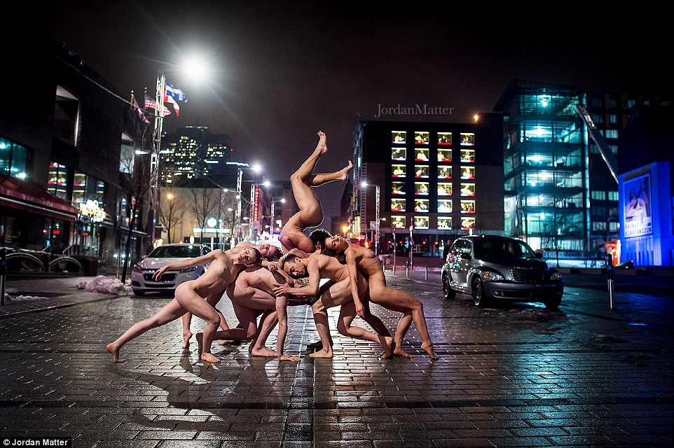 dancers-striking-poses-nude-v9