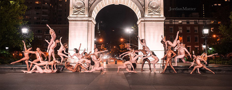 This Photographer Captured Nude Dancers For Stunning Moonlit Poses