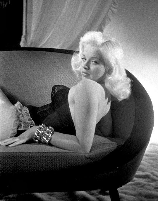 Vintage Beauties-Diana Dors
