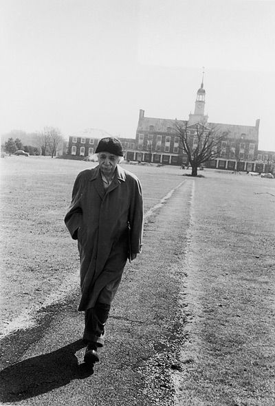 Albert Einstein rare photo Walks Through The Campus Of Princeton University