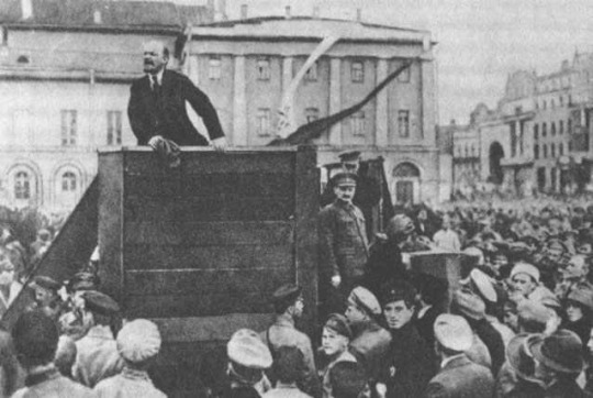 May-5th-1920-Vladimir-Lenin-addresses-troops-about-to-depart