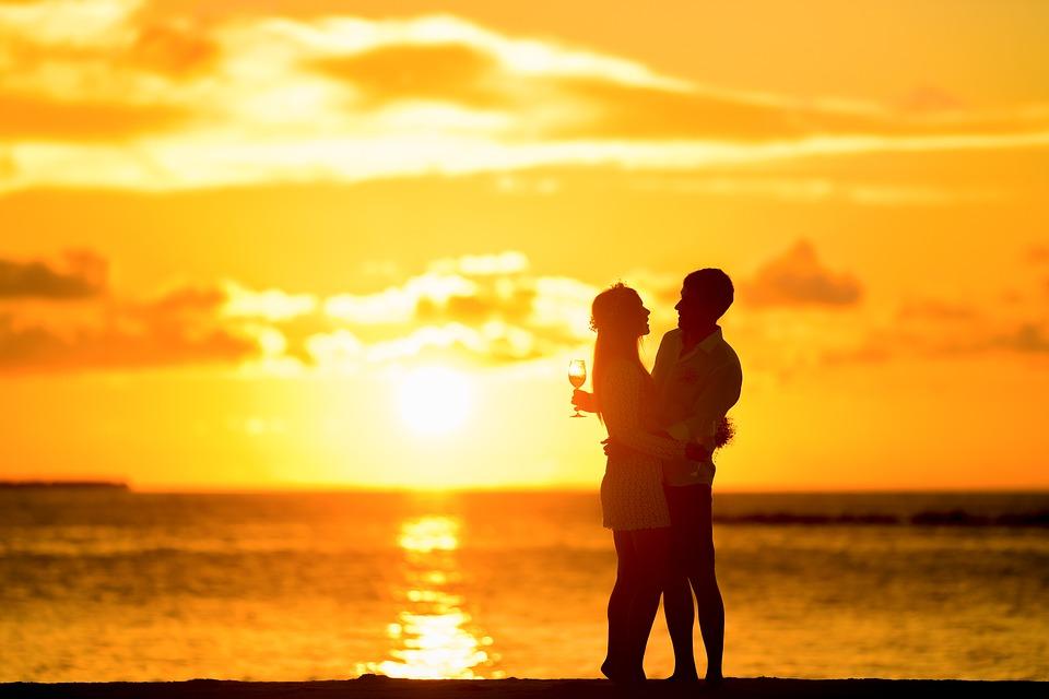 happy-relationship-v14