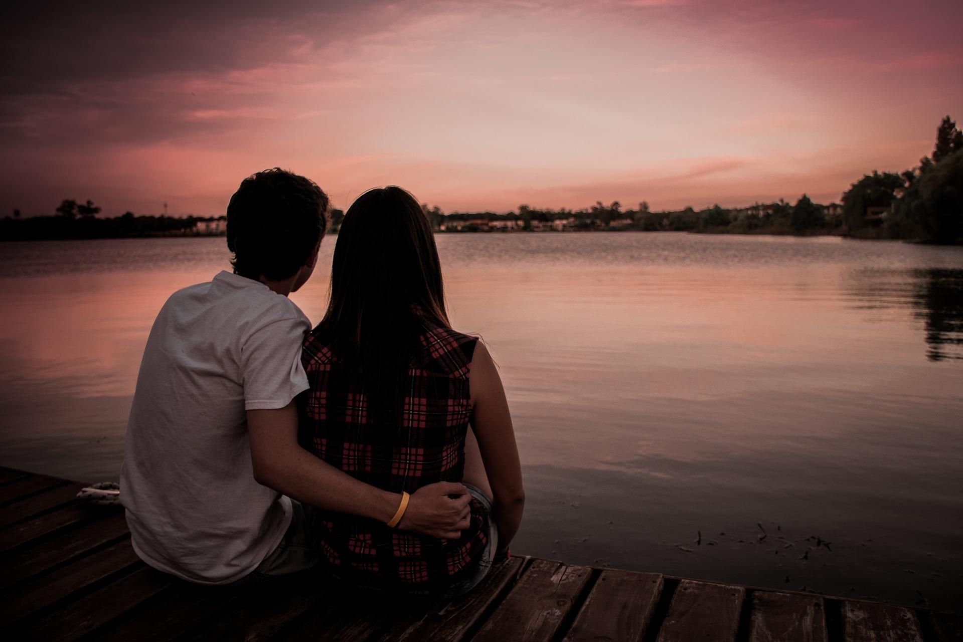 couple-1209790_1920
