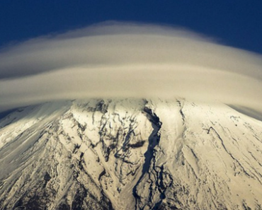 Incredible Images Of Ufo Shaped Clouds Swirling Atop Mountains