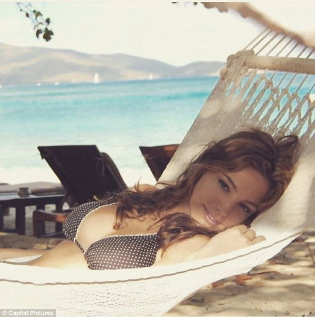 Actress and model Kelly Brook took this sultry snap while she was on the island in 2016