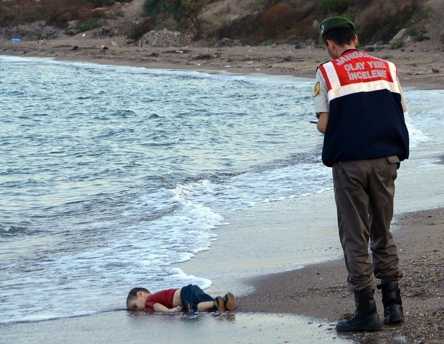 Aylan Kurdi A Dead Refugee, Powerful Photos