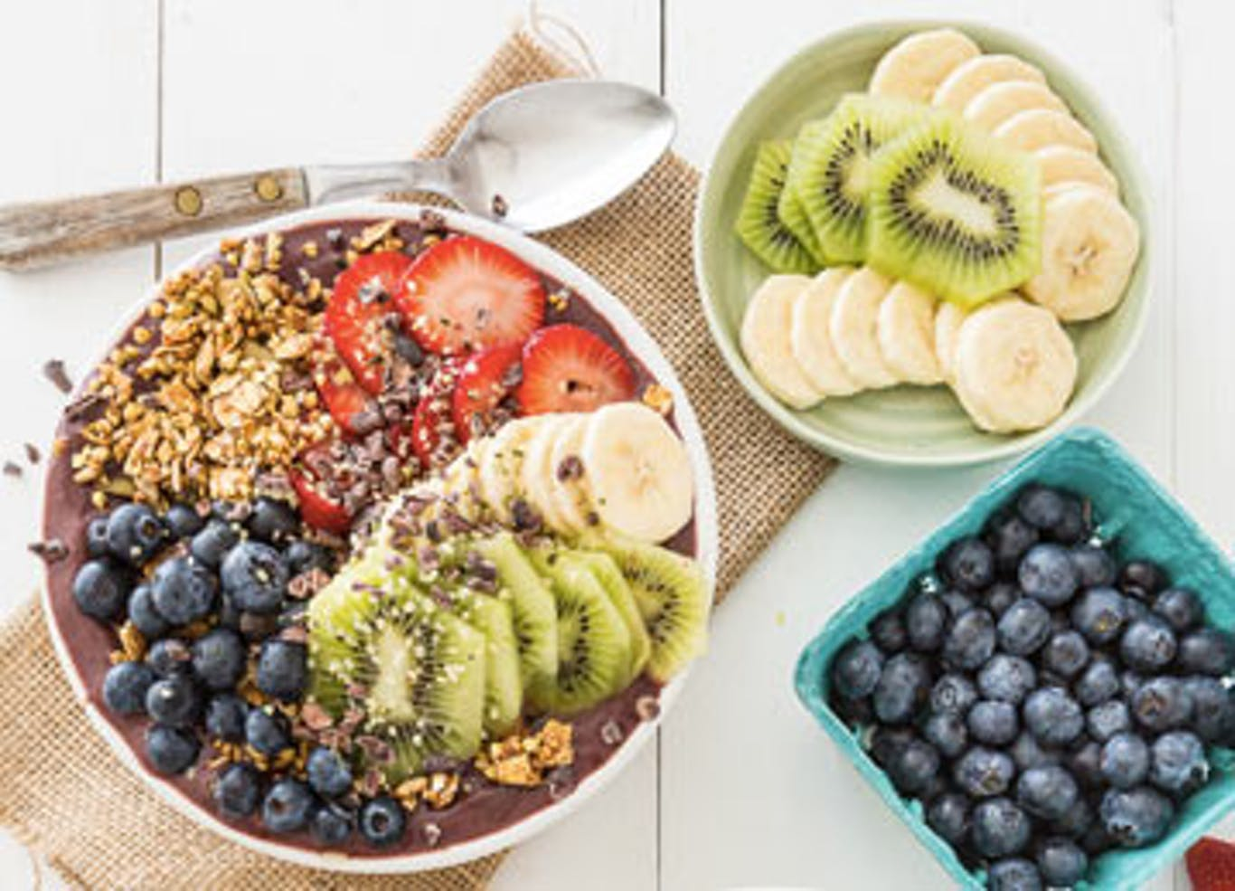FRUIT-FILLED ACAI BOWL