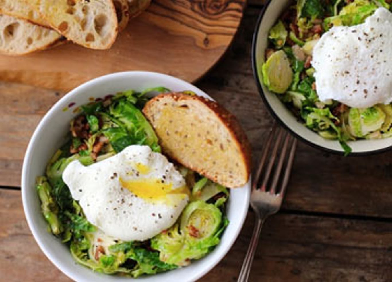 BRUSSELS SPROUTS AND BACON WITH POACHED EGG BOWL