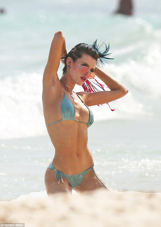 21 All Time Best Sexy Bella Thorne Images At Beach In Bikini