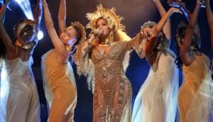 Beyoncé Grammys 2017 Performance-show