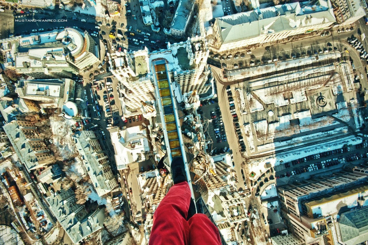 Beautiful, death-defying photos