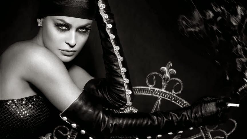 Carmen Electra 5