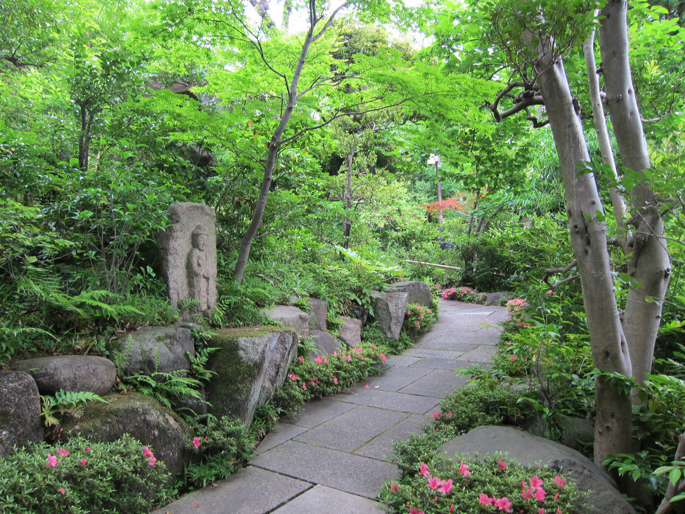 Gardens of the Nezu Museum, Tokyo, Japan