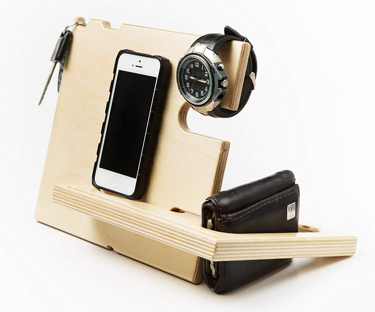 Gift A Wallet, Watch Or Phone